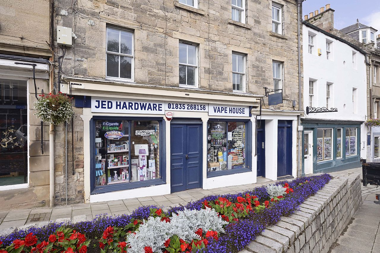 Retail Premises & Flat 4 Canongate