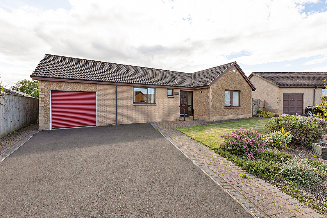 16 St. Cuthberts Drive St Boswells TD6 0DF