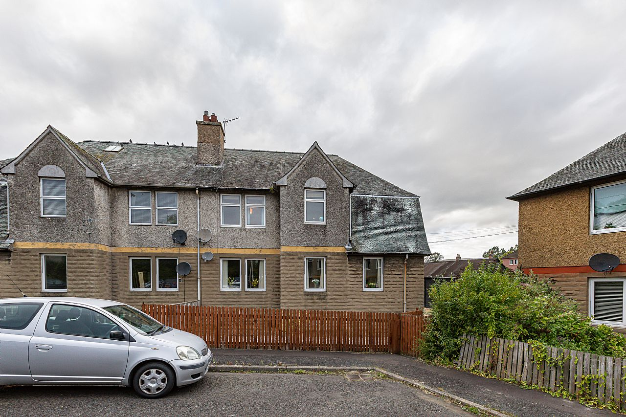 31 Tweed Crescent Galashiels TD1 3ED